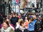 IRSKA Početkom devedesetih godina prošlog vijeka ovo je bila jedna od najsiromašnijih zemalja Evrope sa visokom inflacijom udruženom sa niskom stopom zaposlenosti. Stvarajući uslove povoljne za preduzetnike i investitore uz paralenu kulturološku promjenu vođenu inicijativom vlade u cilju smanjenja tenzija između populacije koja se opredjeljuje za protestantizam i onih koji izjašnjavaju kao katolici, Irska je uspjela da za deset godina obori nezaposlenost sa 17% na 3.9% uz petostruko povećanje BDP po glavi stanovnika. Najradikalnija mjera koja je doprinijela vrtoglavom usponu ovoga keltskog tigra su poreske olakšice koje nudi stranim kompanijama.