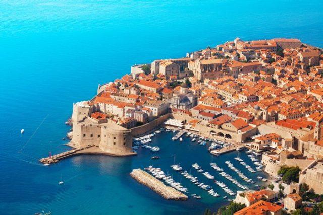"""Zagreb od ponedjeljka """"na silu"""" otvara lokale, a šta će biti u Dubrovniku? Dubrovnik Pogled na stari grad old town"""